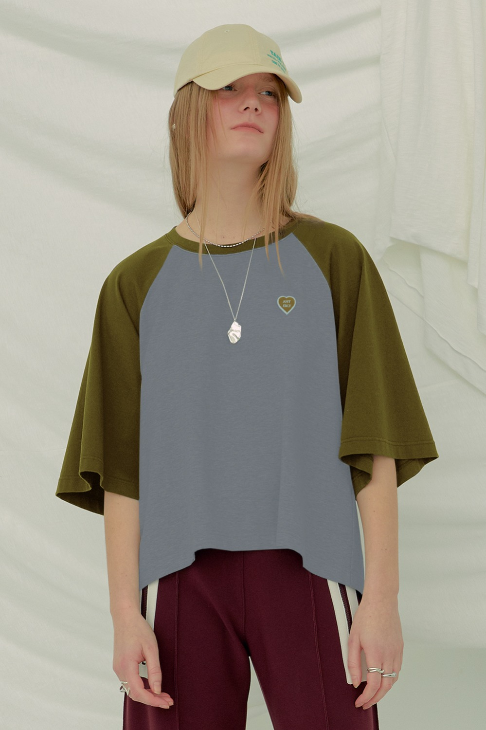 Haley Raglan Tee_Blue/Olive